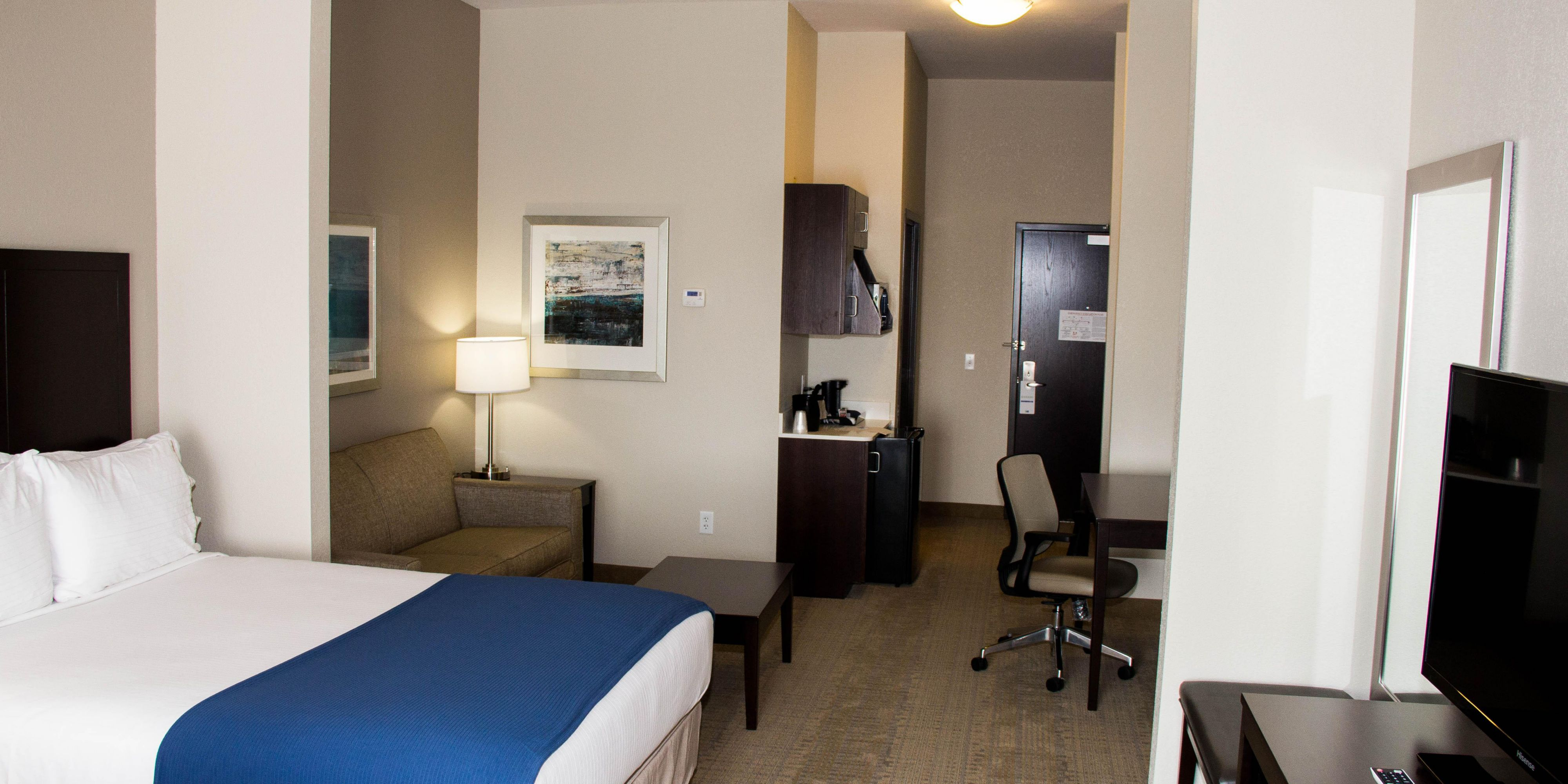 Holiday Inn Express And Suites Sikeston 2821693437 2x1