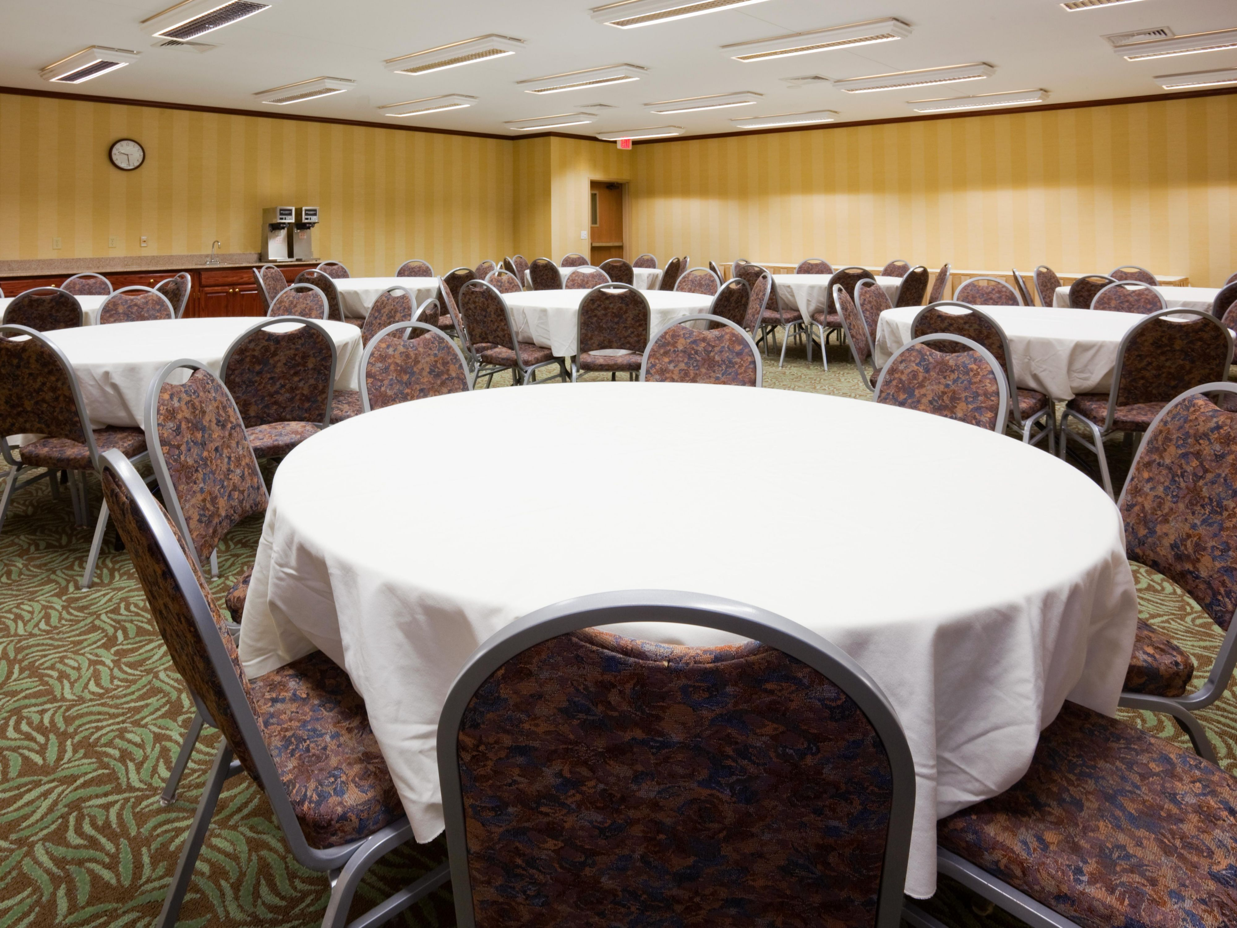 Carlton Meeting Room in Sioux Falls Hotel