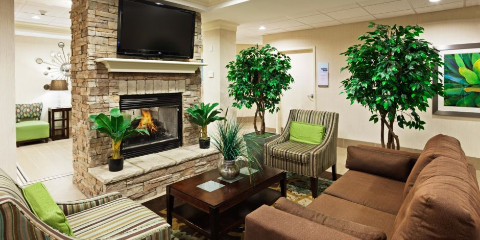 Enjoy A Warm Fire During The Cool Tennessee Night Hotel Exterior