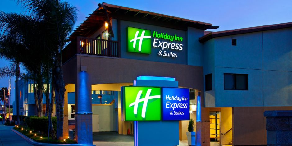 Swimming Pool Holiday Inn Express Solana Beach On Hwy 101 South Bound View