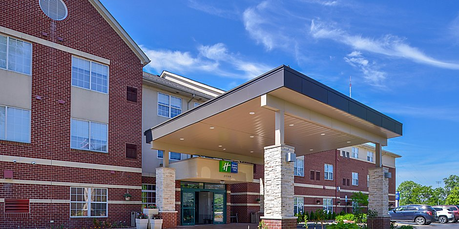 Holiday Inn Express & Suites Southfield - Detroit Hotel by IHG