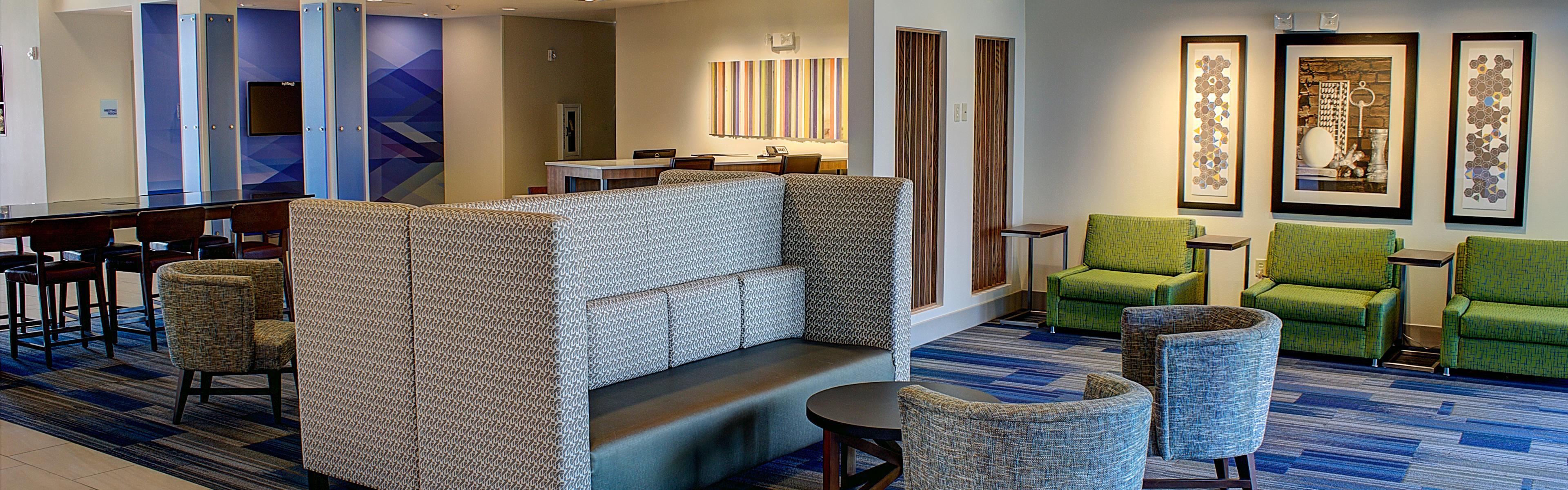 ... Hotel Lobby   Holiday Inn Express Spencer IA ...