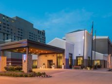 Holiday Inn Express & Suites Springfield in Lincoln, Illinois