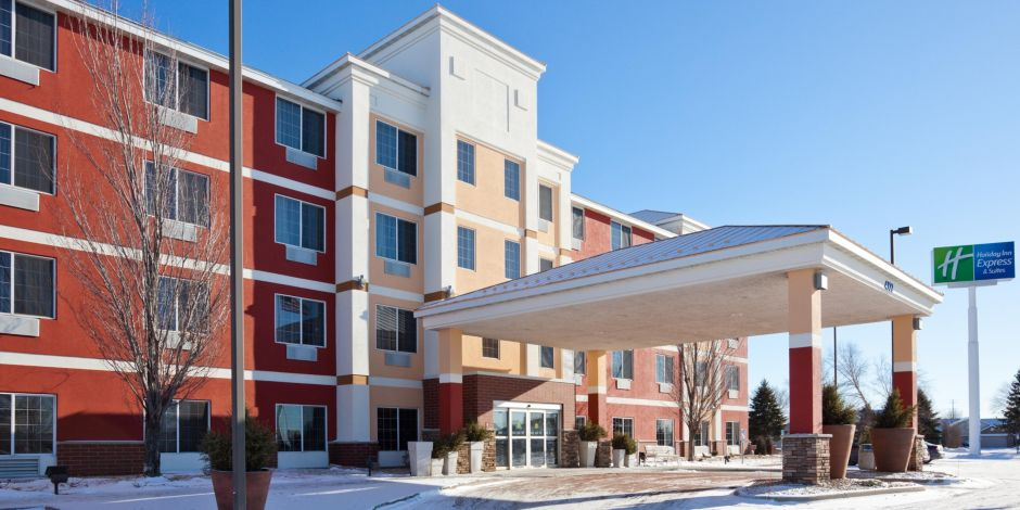 Holiday Inn Express Suites St Cloud