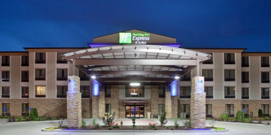 Hotel At St Louis Lambert International Airport