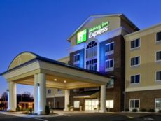 Holiday Inn Express & Suites Statesville in Wilkesboro, North Carolina