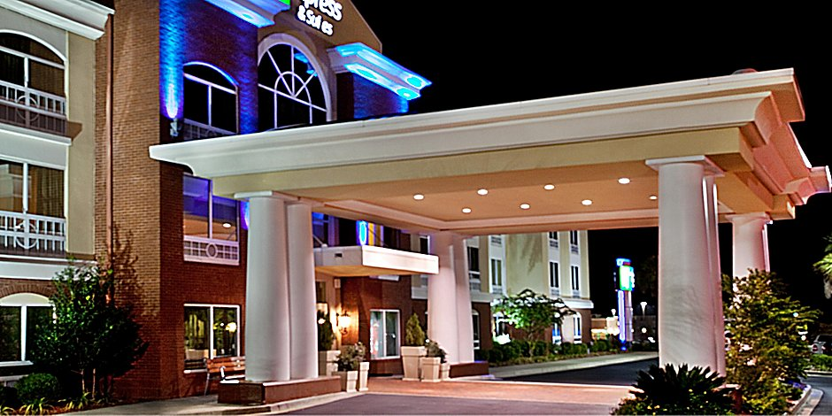 Holiday Inn Express & Suites Sumter Hotel by IHG on