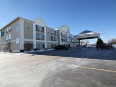 Holiday Inn Express & Suites Sycamore in Sycamore, Illinois