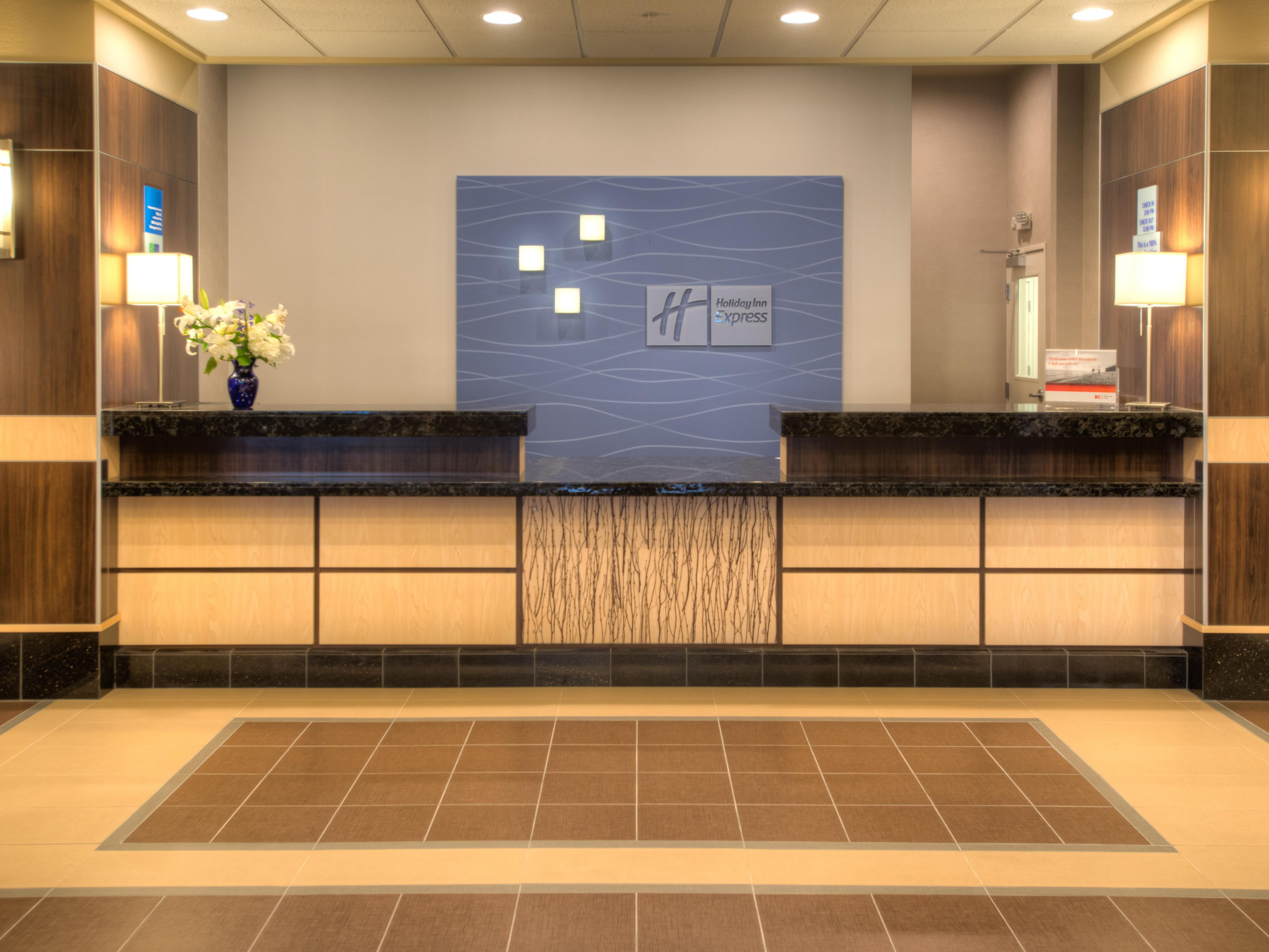 Holiday Inn Express & Suites Tacoma Downtown Front Desk