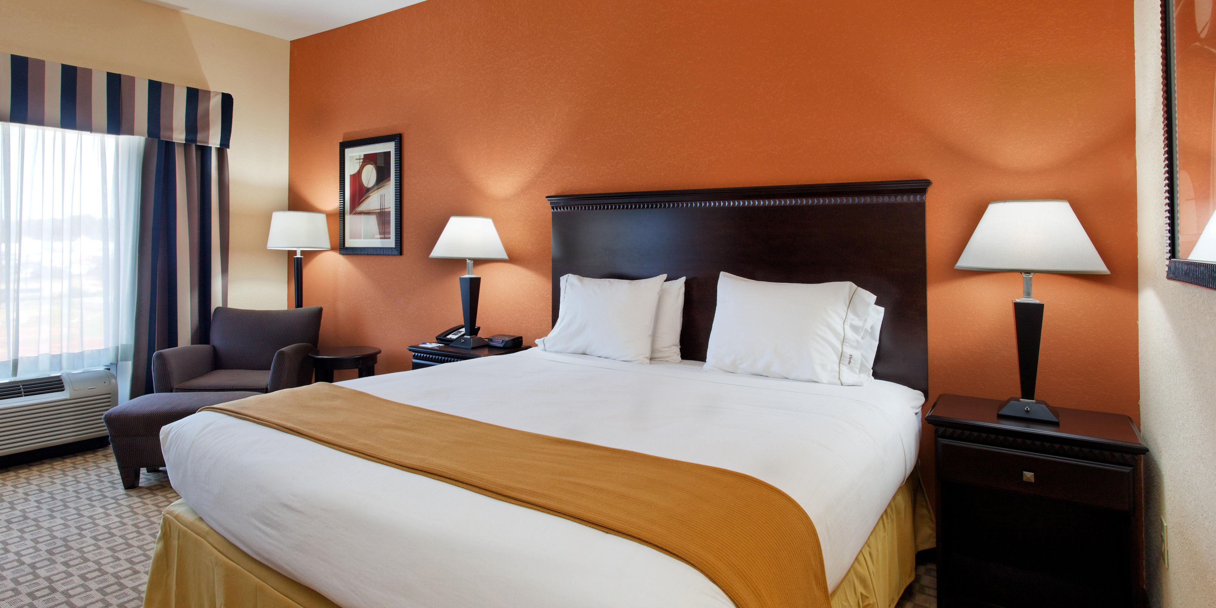 Holiday Inn Express And Suites Talladega 4330426288 2x1