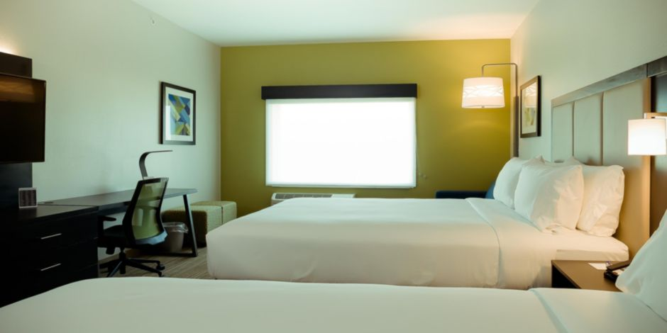 Holiday Inn Express & Suites Tampa East - Ybor City Hotel by IHG