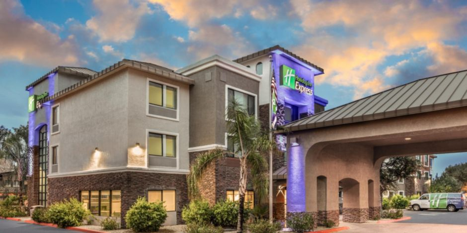 Holiday Inn Express Suites Phoenix Tempe University Hotel In