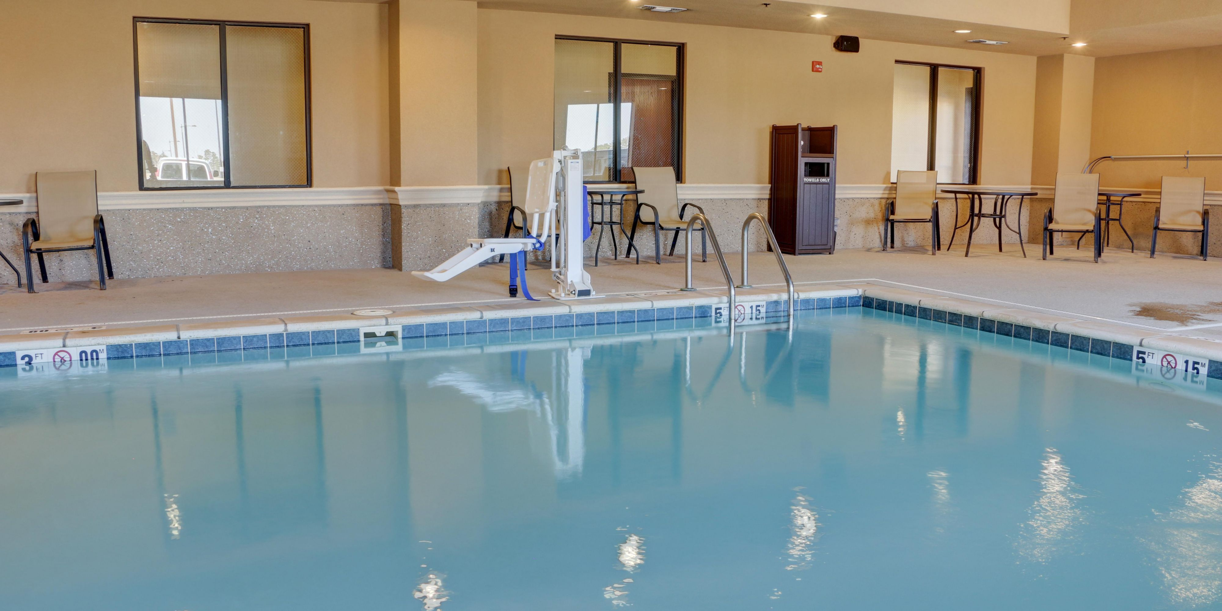 Holiday Inn Express And Suites Texarkana 4510466401 2x1