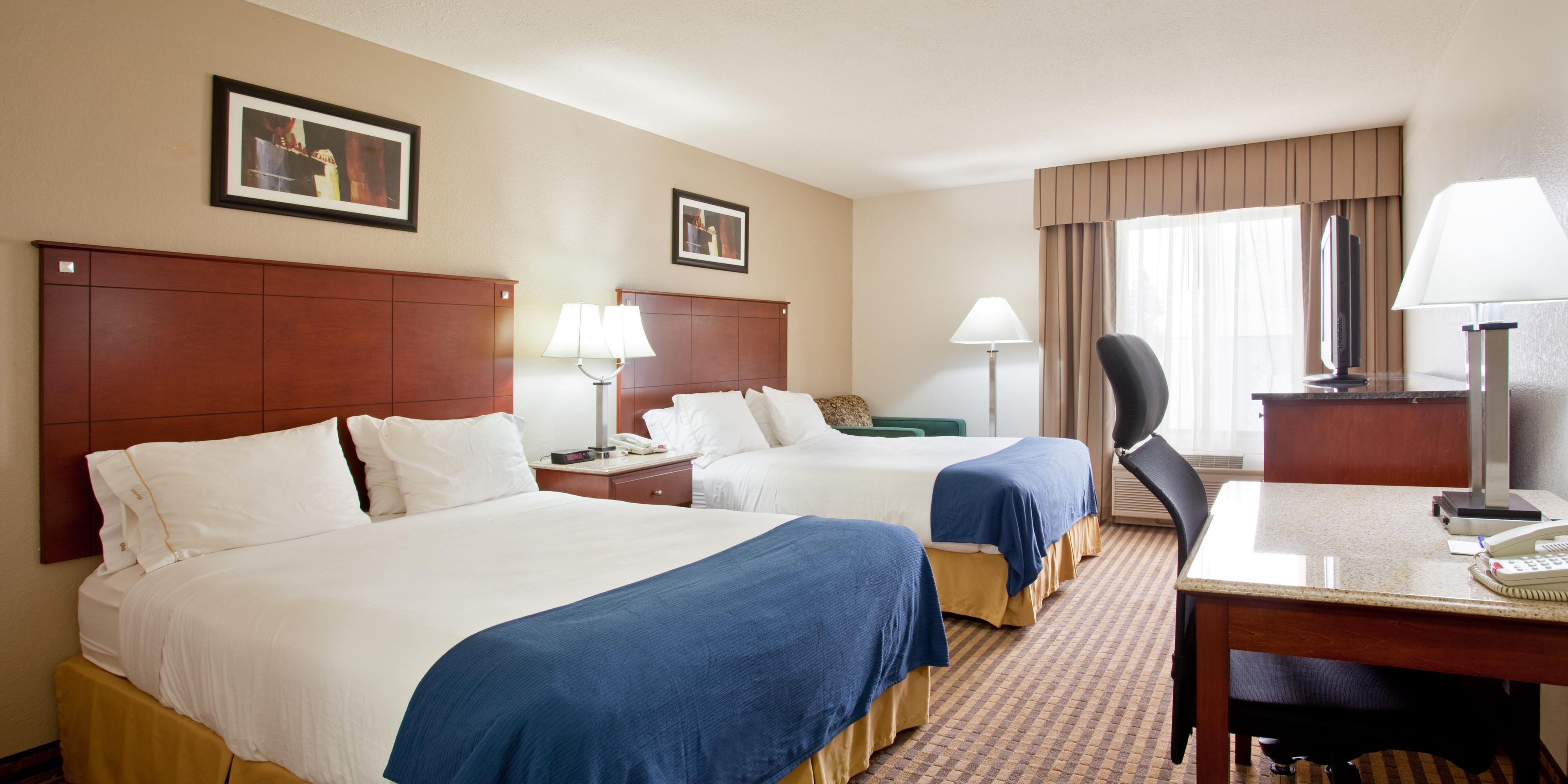 Holiday Inn Express And Suites Three Rivers 2533387877