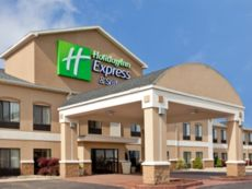 Holiday Inn Express & Suites Three Rivers in Howe, Indiana