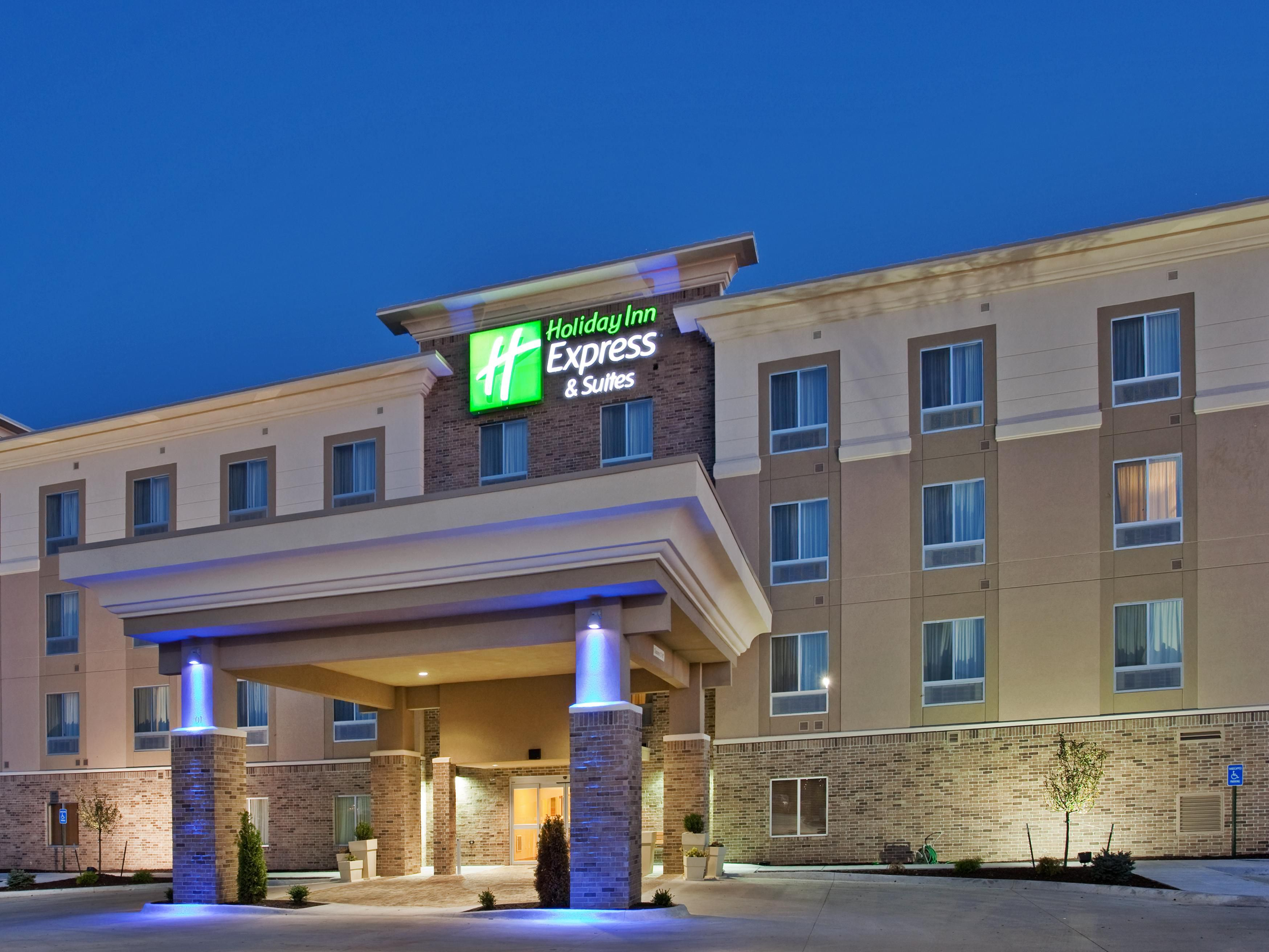 Welcome to the Holiday Inn Express and Suites Topeka North
