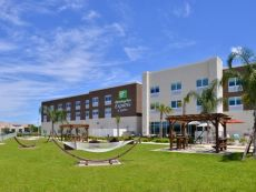 Holiday Inn Express & Suites Trinity in Spring Hill, Florida