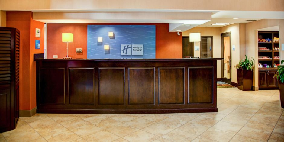 Holiday Inn Express Suites Tyler South Hotel By IHG