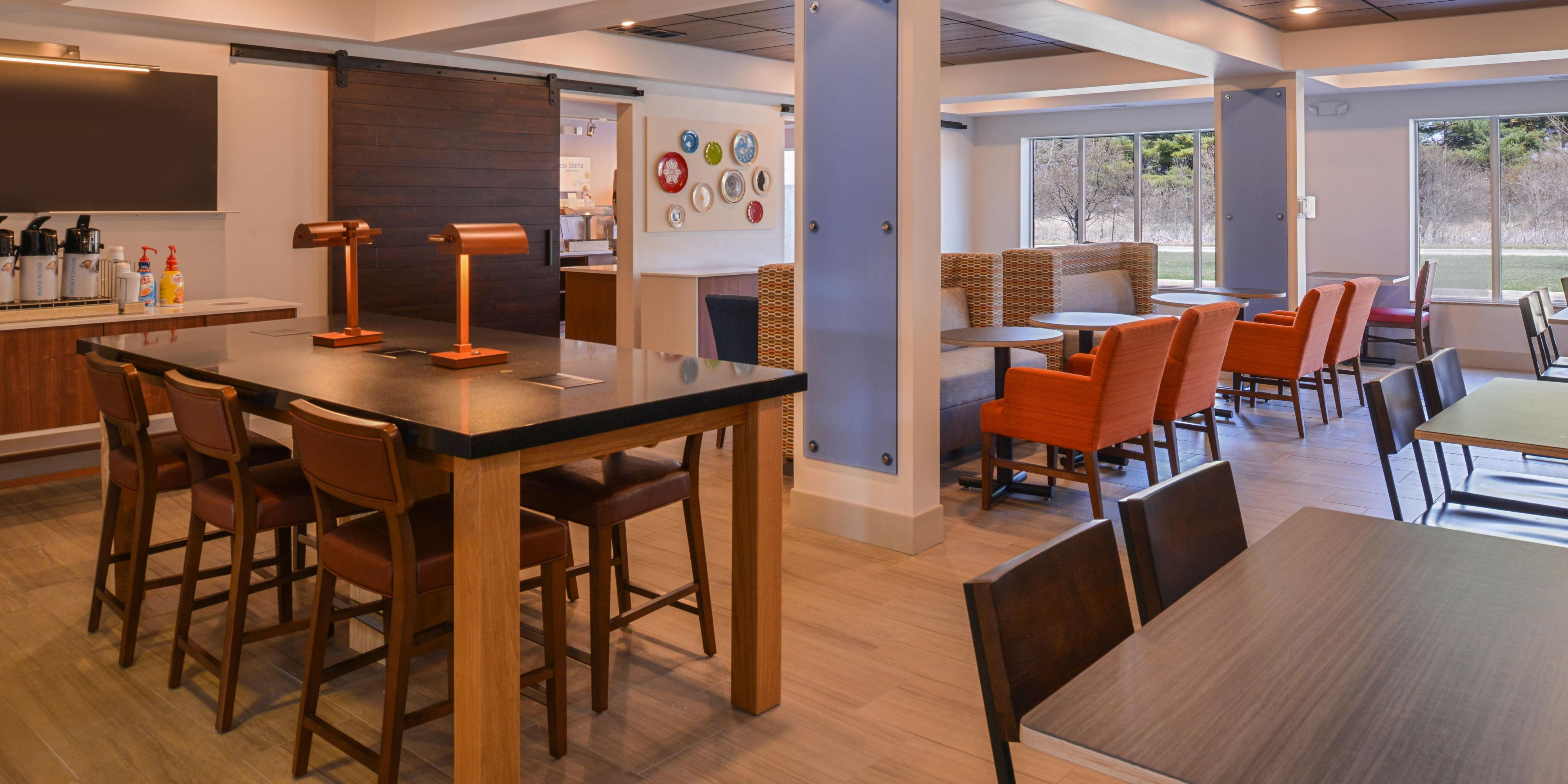Holiday Inn Express & Suites Urbana-Champaign (U Of I Area) Hotel by IHG