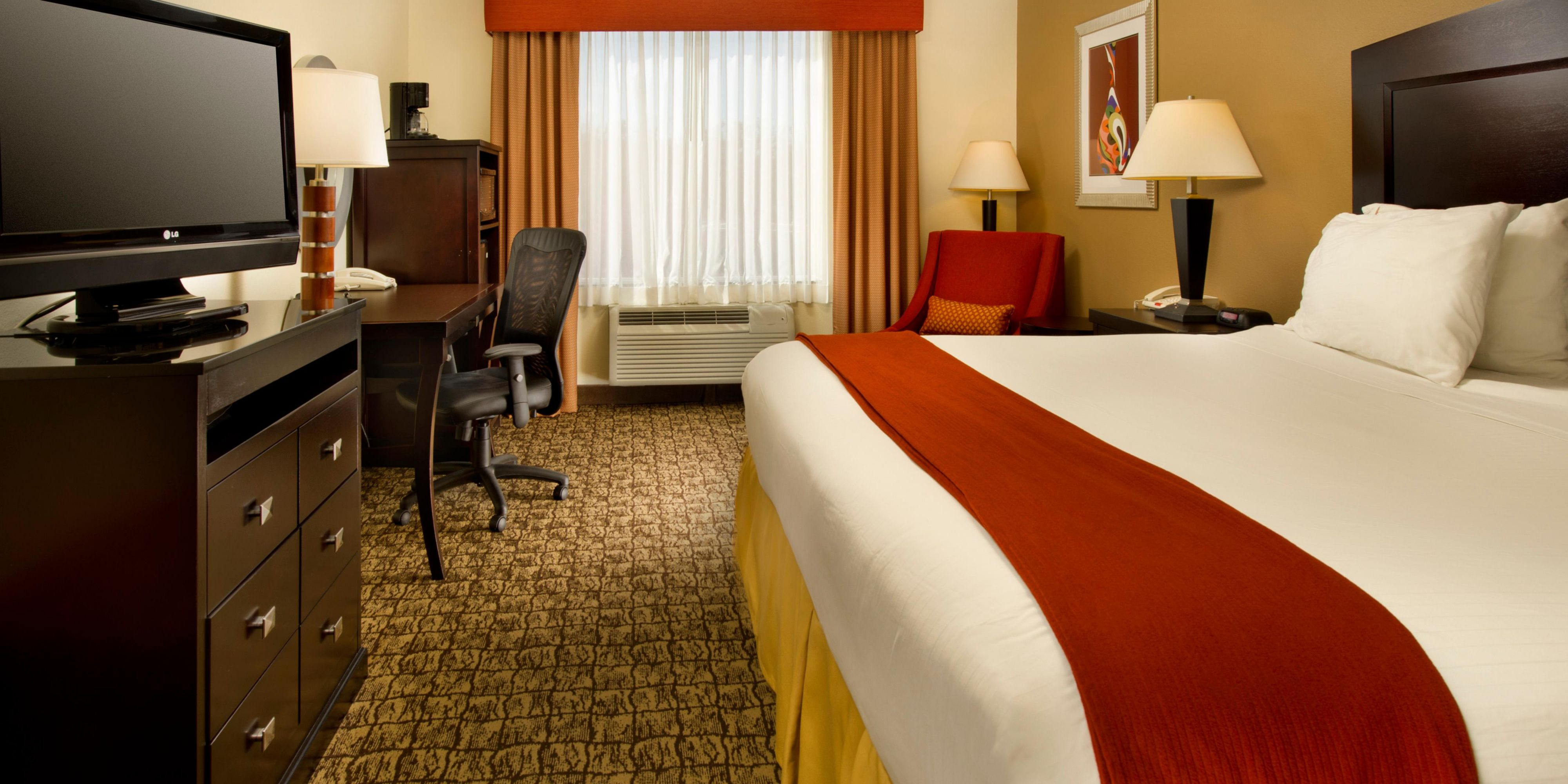 Holiday Inn Express And Suites Uvalde 3671100158 2x1