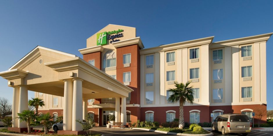 Welcome To The Holiday Inn Express Uvalude Near Garner State Park
