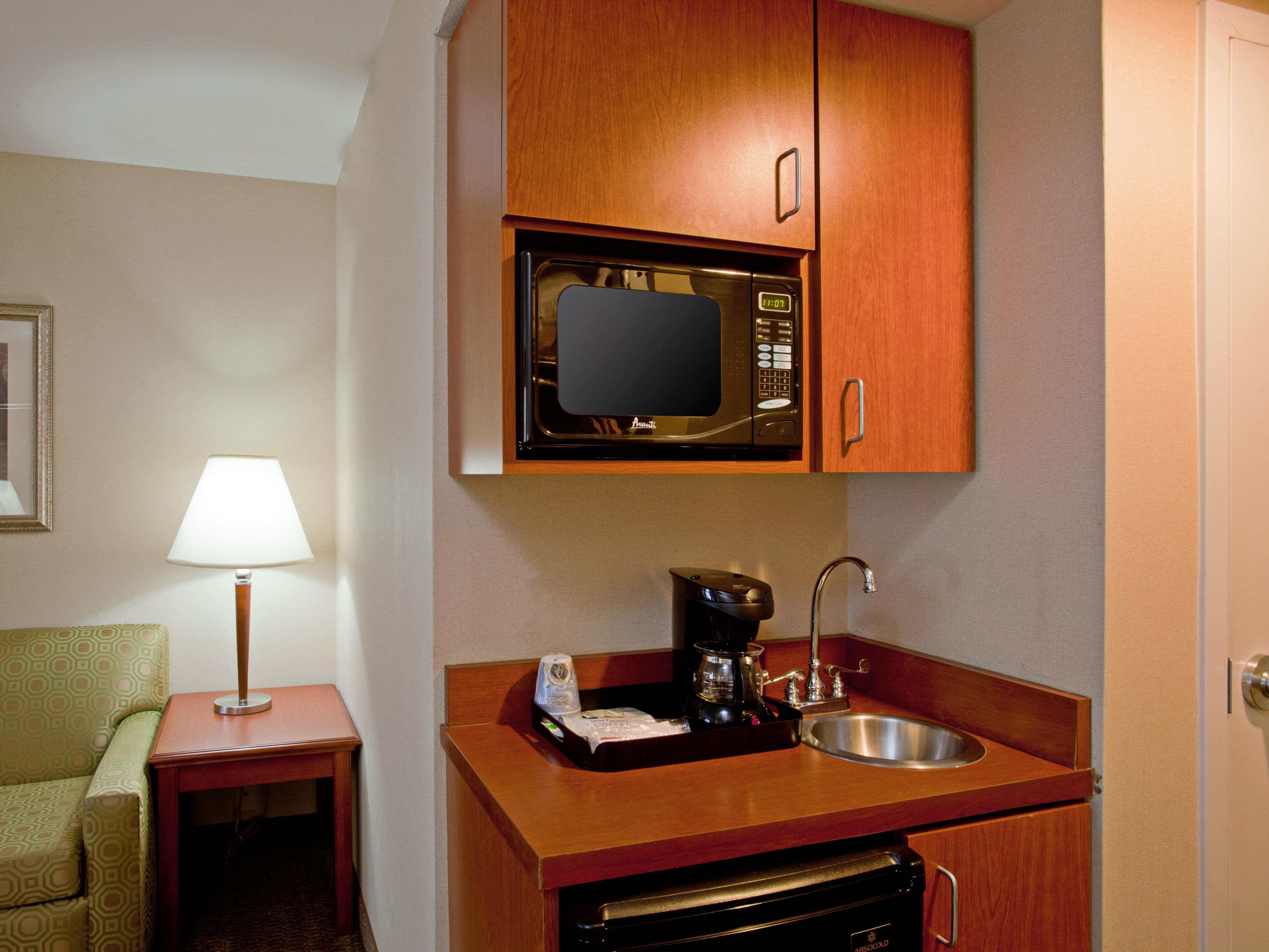 Holiday Inn Express Microwave & Refrig/Coffee Maker
