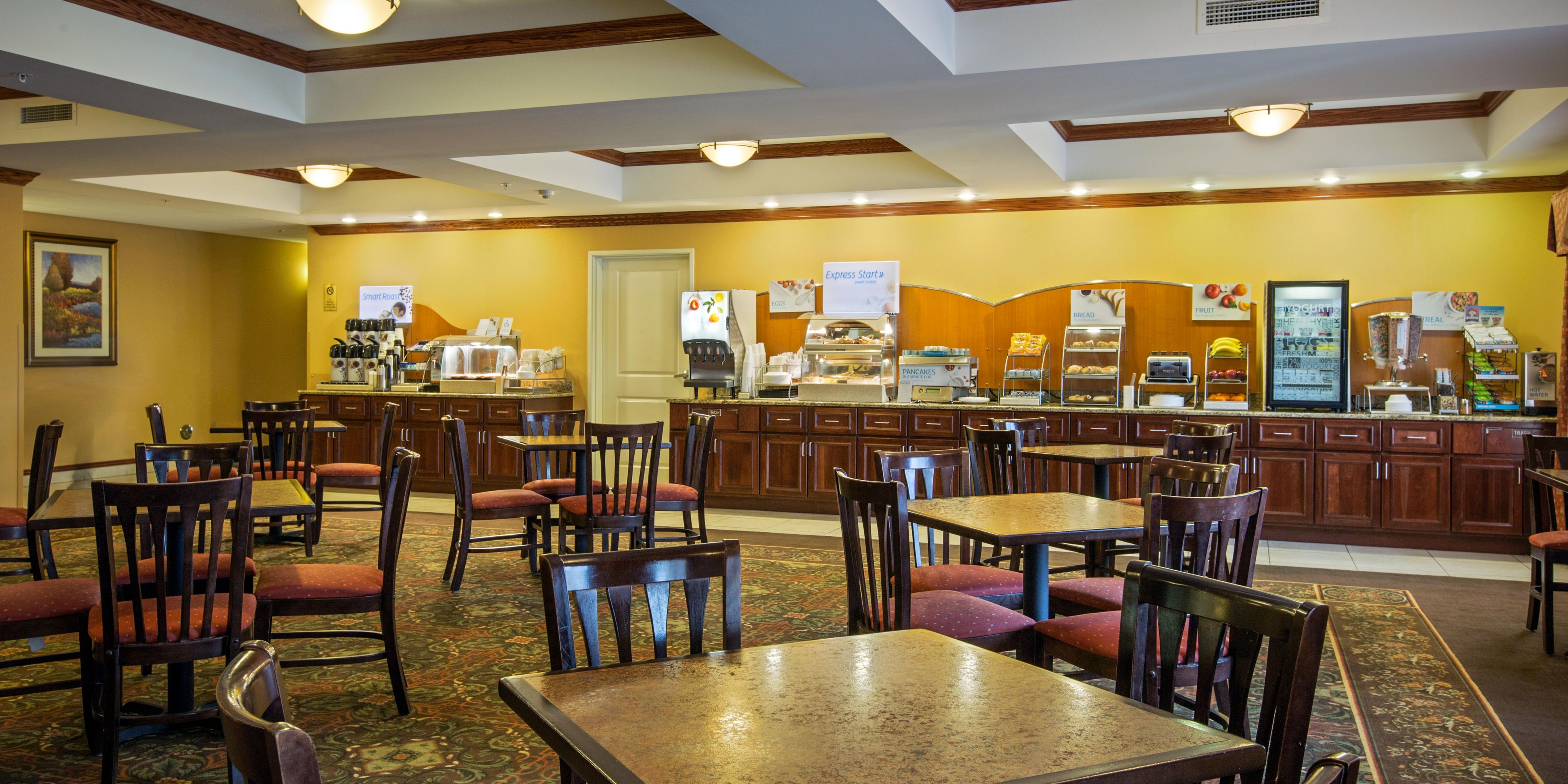 Holiday Inn Express And Suites Vandalia 3166446892 2x1