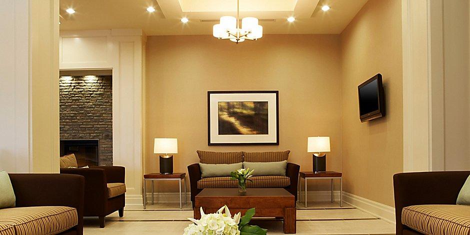 Admirable Pet Friendly Hotels In Vaughan Holiday Inn Express Inzonedesignstudio Interior Chair Design Inzonedesignstudiocom