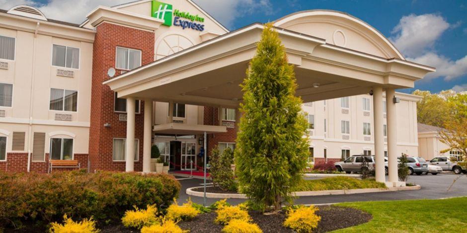 Holiday Inn Express Suites Vineland Millville