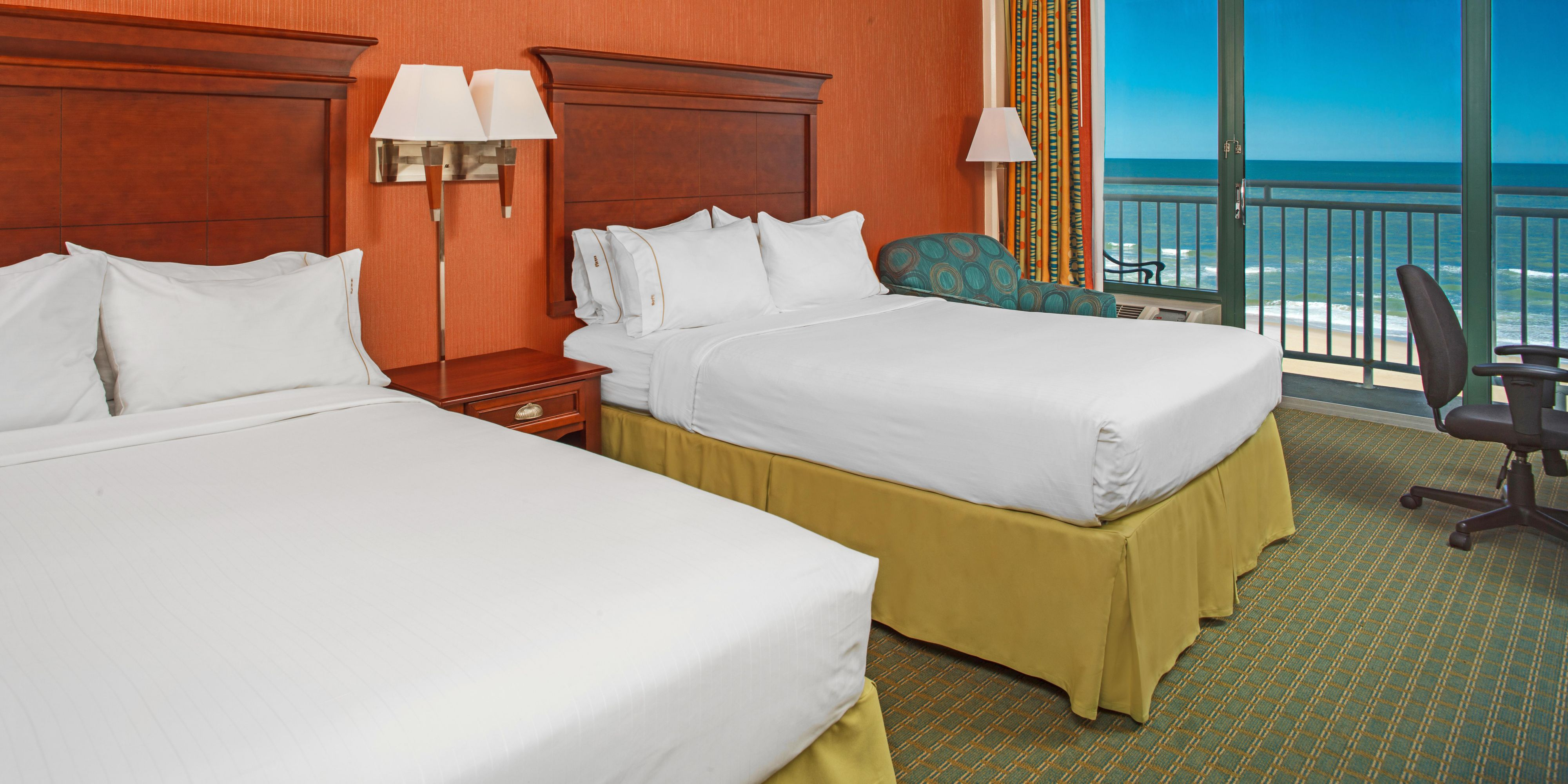 Virginia Beach Oceanfront Hotel - Holiday Inn Express Virginia Beach