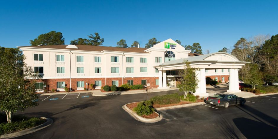 The Holiday Inn Express Suites Walterboro Sc Hotel