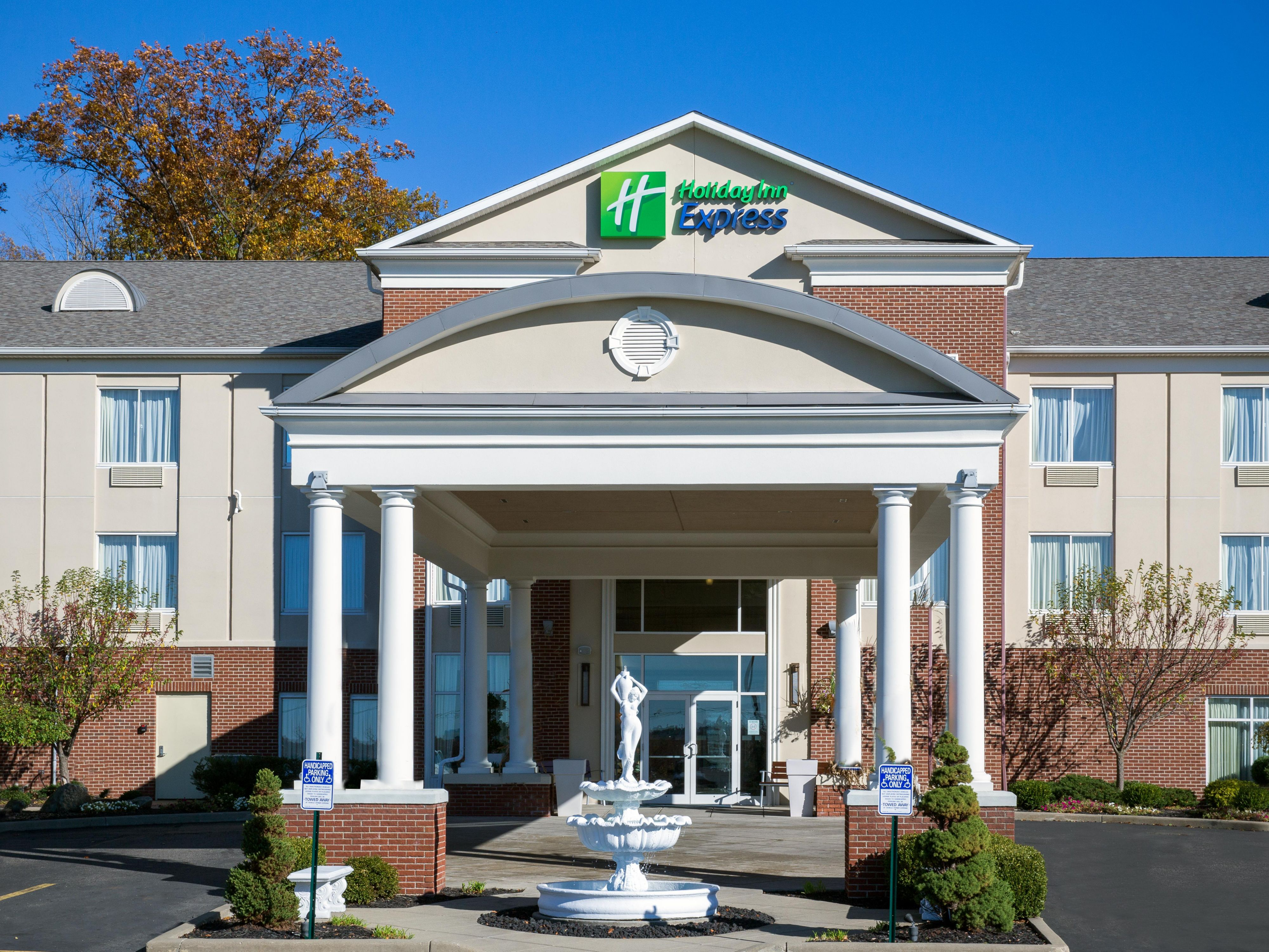 Welcome to the Holiday Inn Express Youngstown Warren/Niles