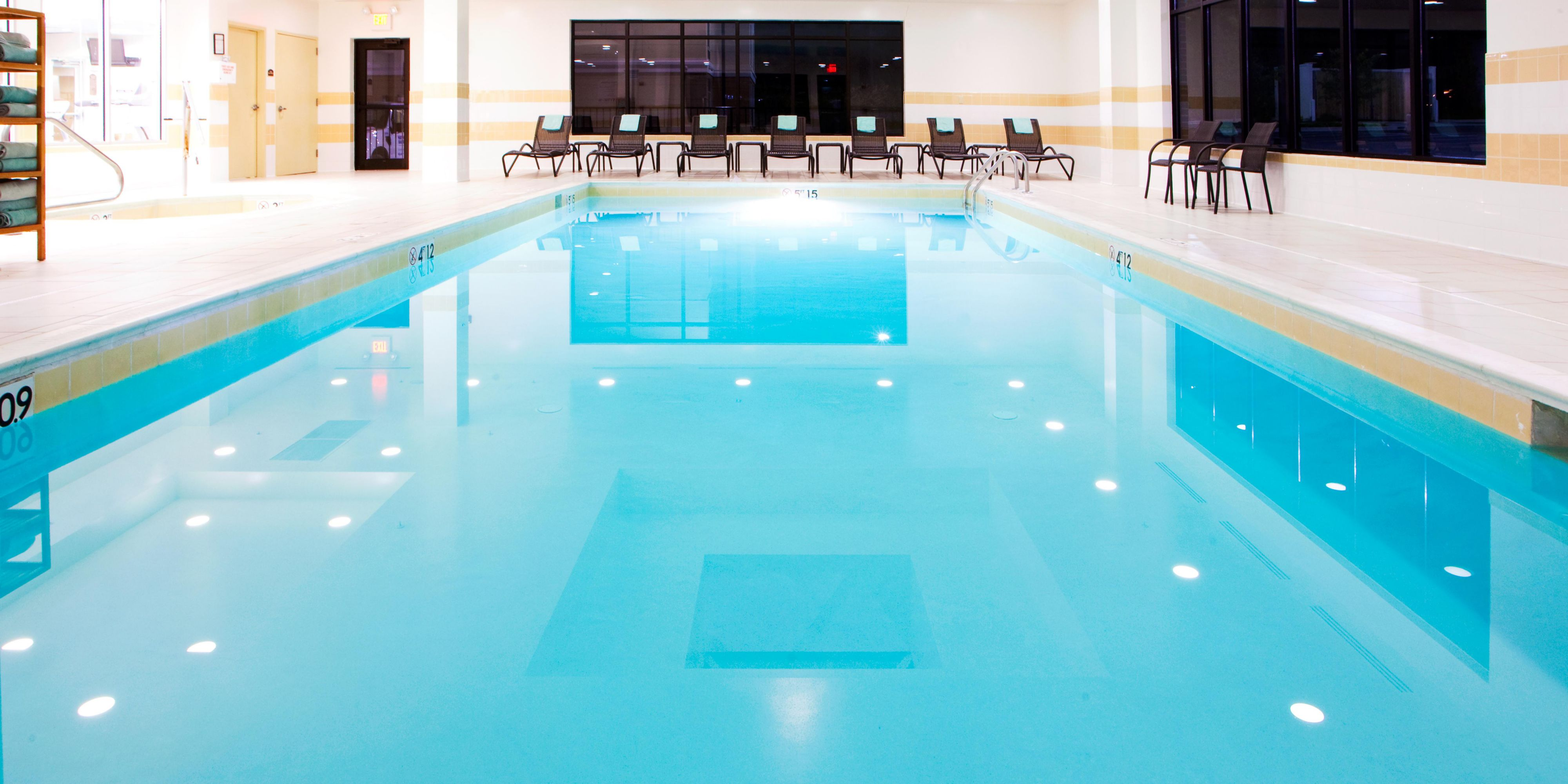 Holiday inn express suites washington dc northeast hotel for Pool design washington dc