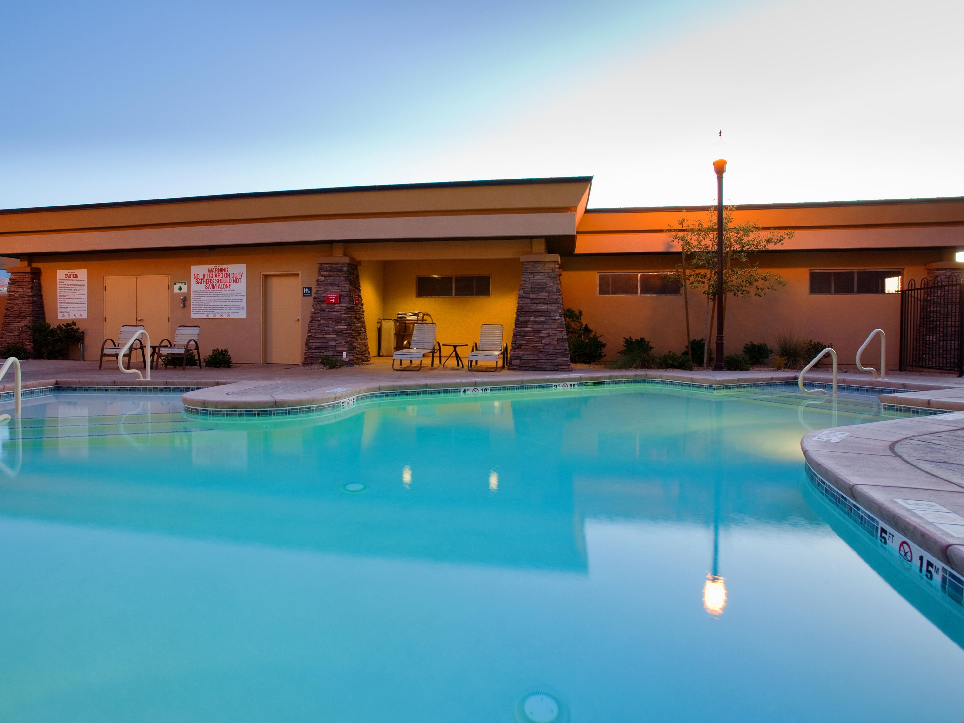 St George Hotel, Large heated swimming pool and whirlpool