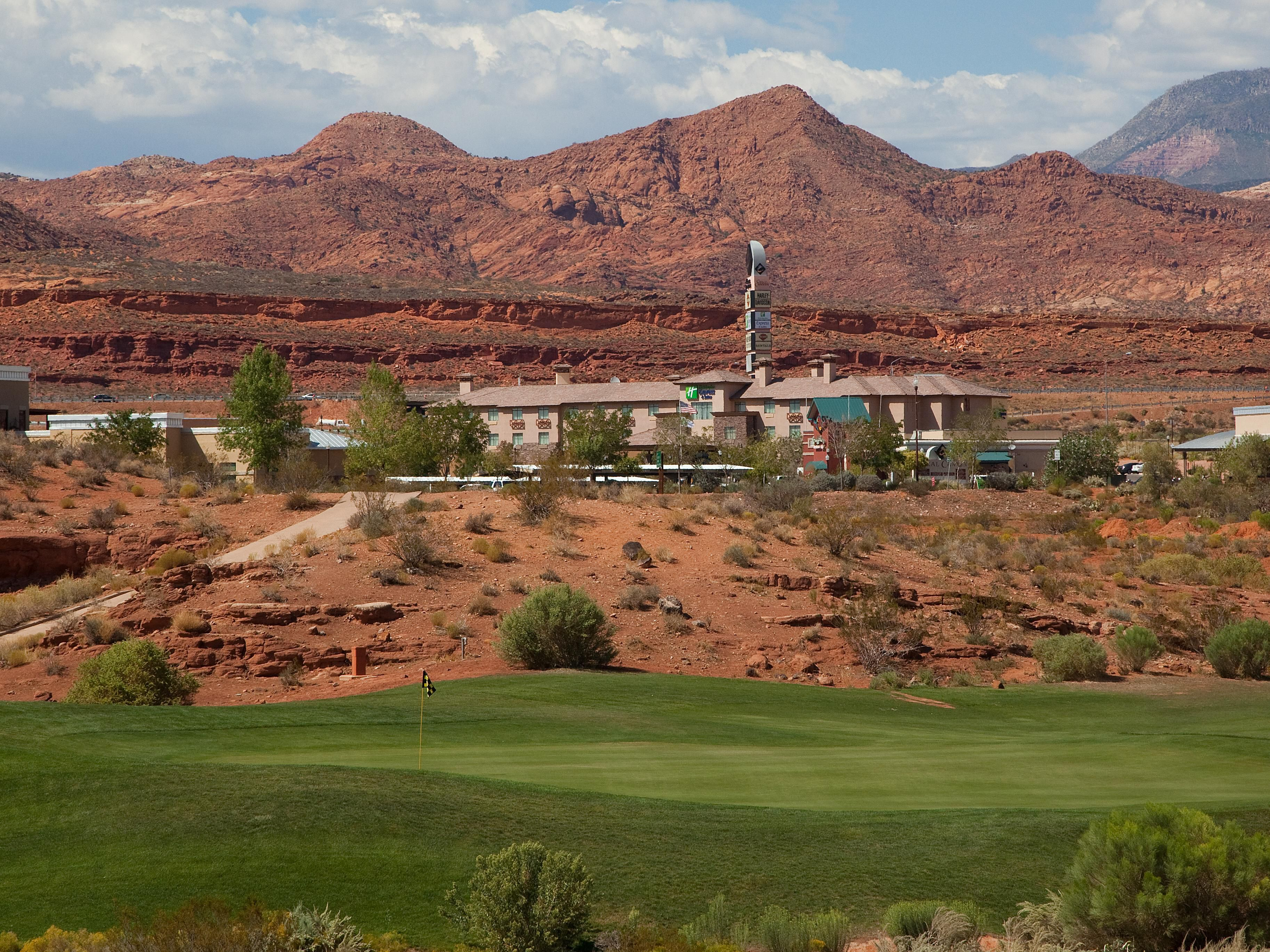 Our hotel is situated in the heart of Utah's red rock country.