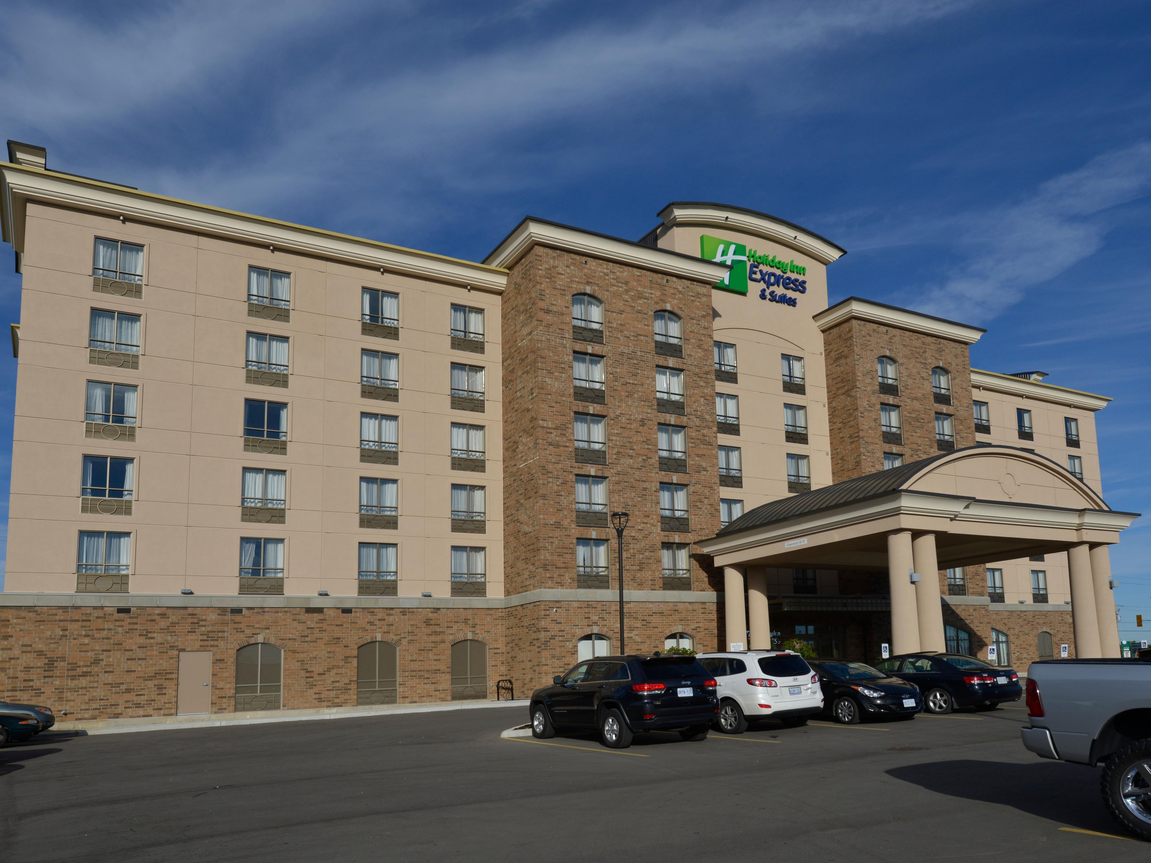 Award Winning Holiday Inn Express & Suites Waterloo St.Jacobs
