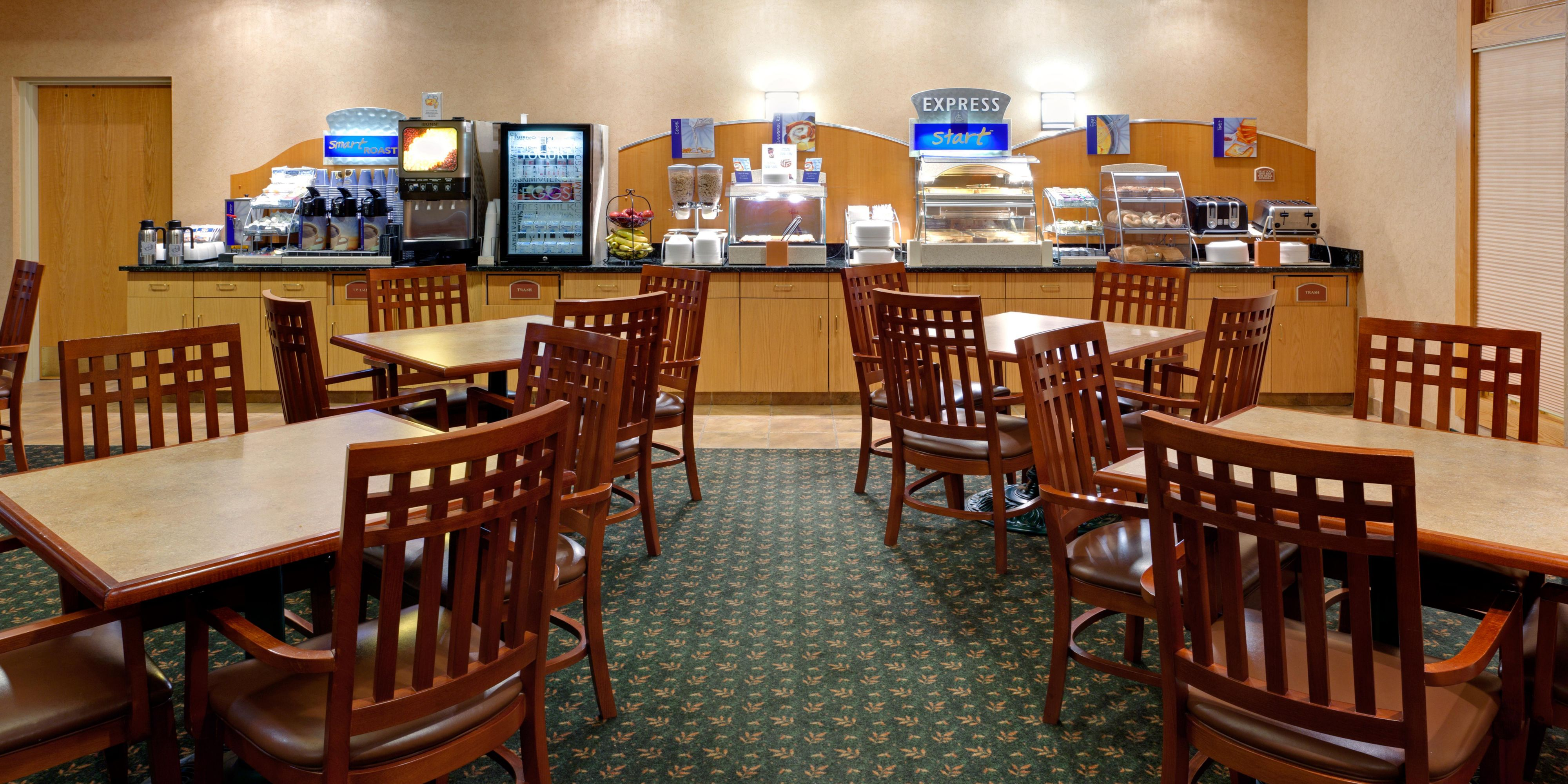 Holiday Inn Express And Suites Watertown 4221336864 2x1