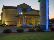 Holiday Inn Express & Suites Wauseon