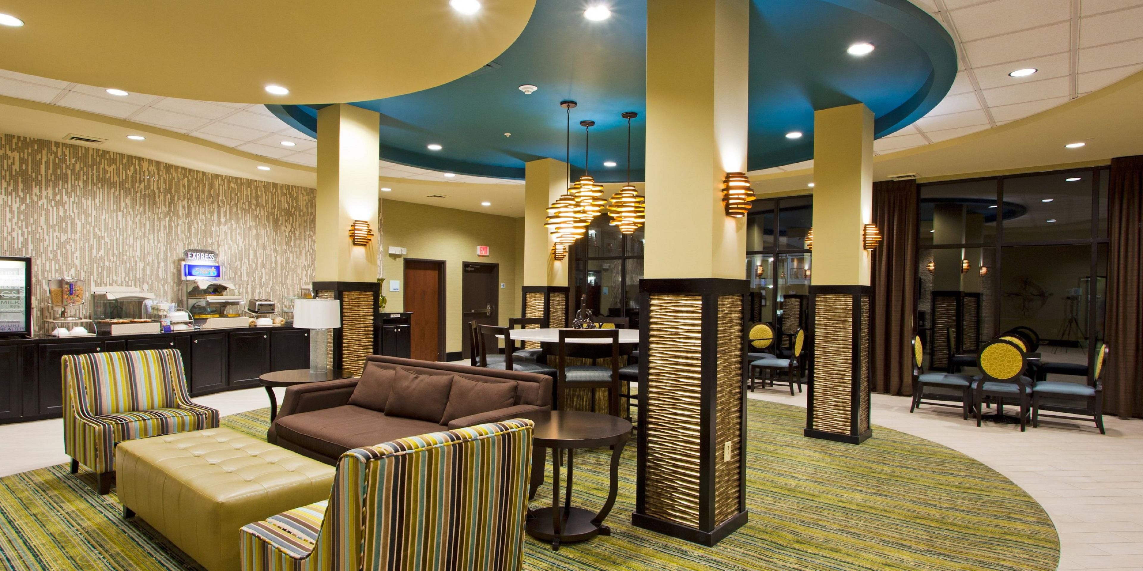 Holiday Inn Express And Suites Waycross 3998570892 2x1
