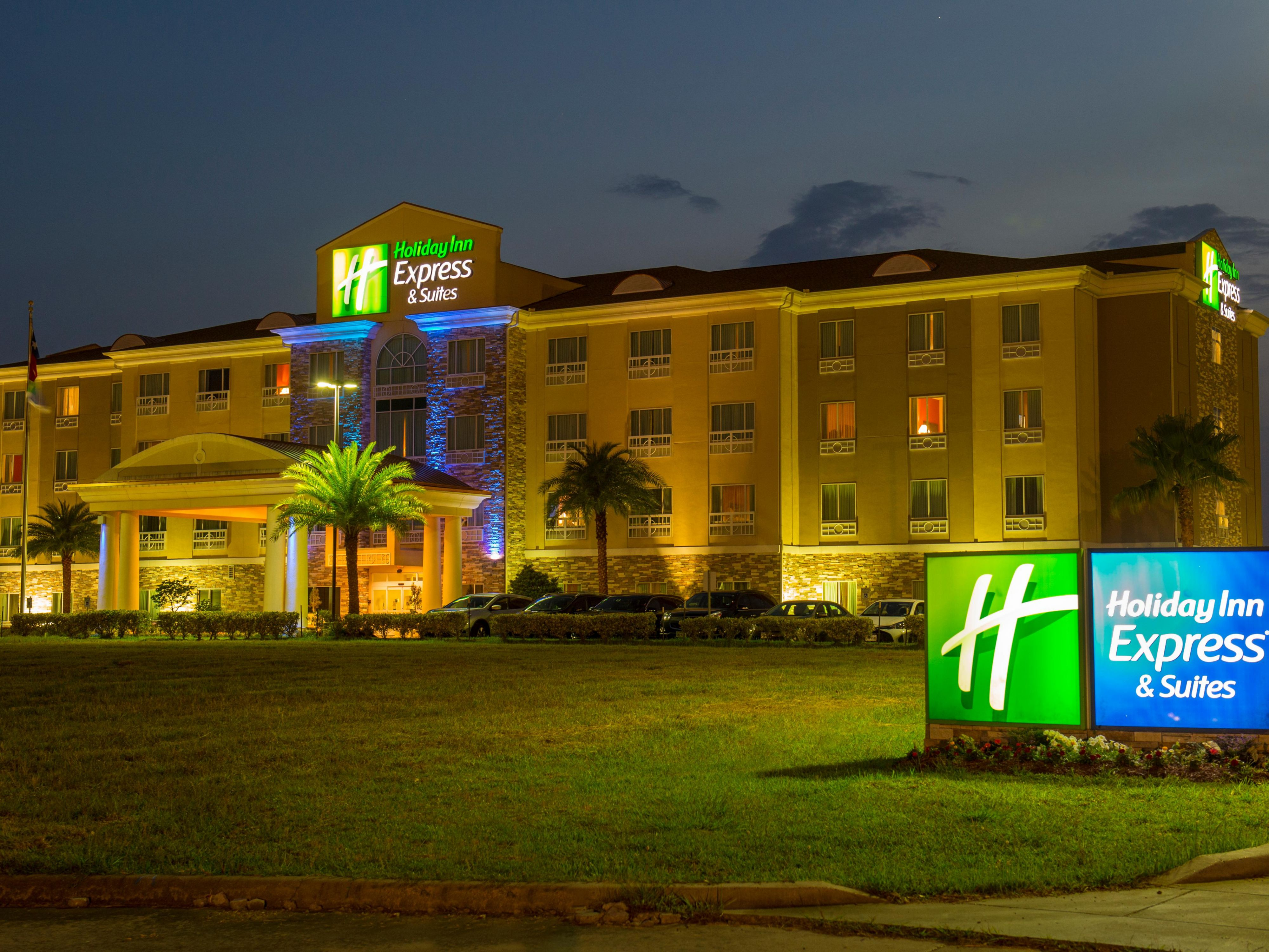 Holiday Inn Express hotel near Nasa