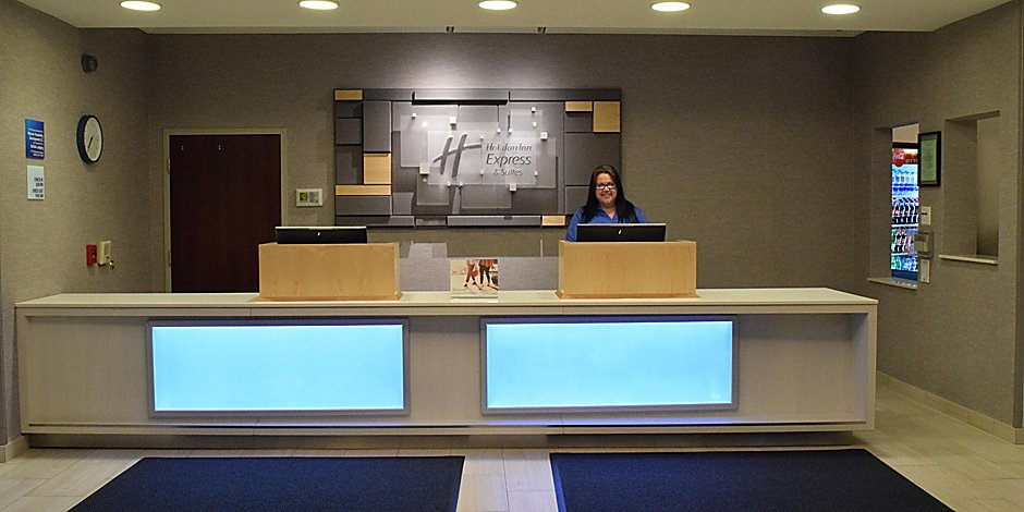 Holiday Inn Express & Suites Rochester Webster Hotel by IHG