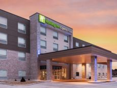 Holiday Inn Express & Suites West Plains Southwest in West Plains, Missouri