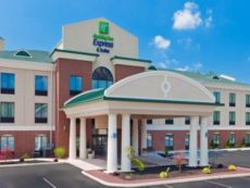 Holiday Inn Express & Suites White Haven - Lake Harmony in Pittston, Pennsylvania