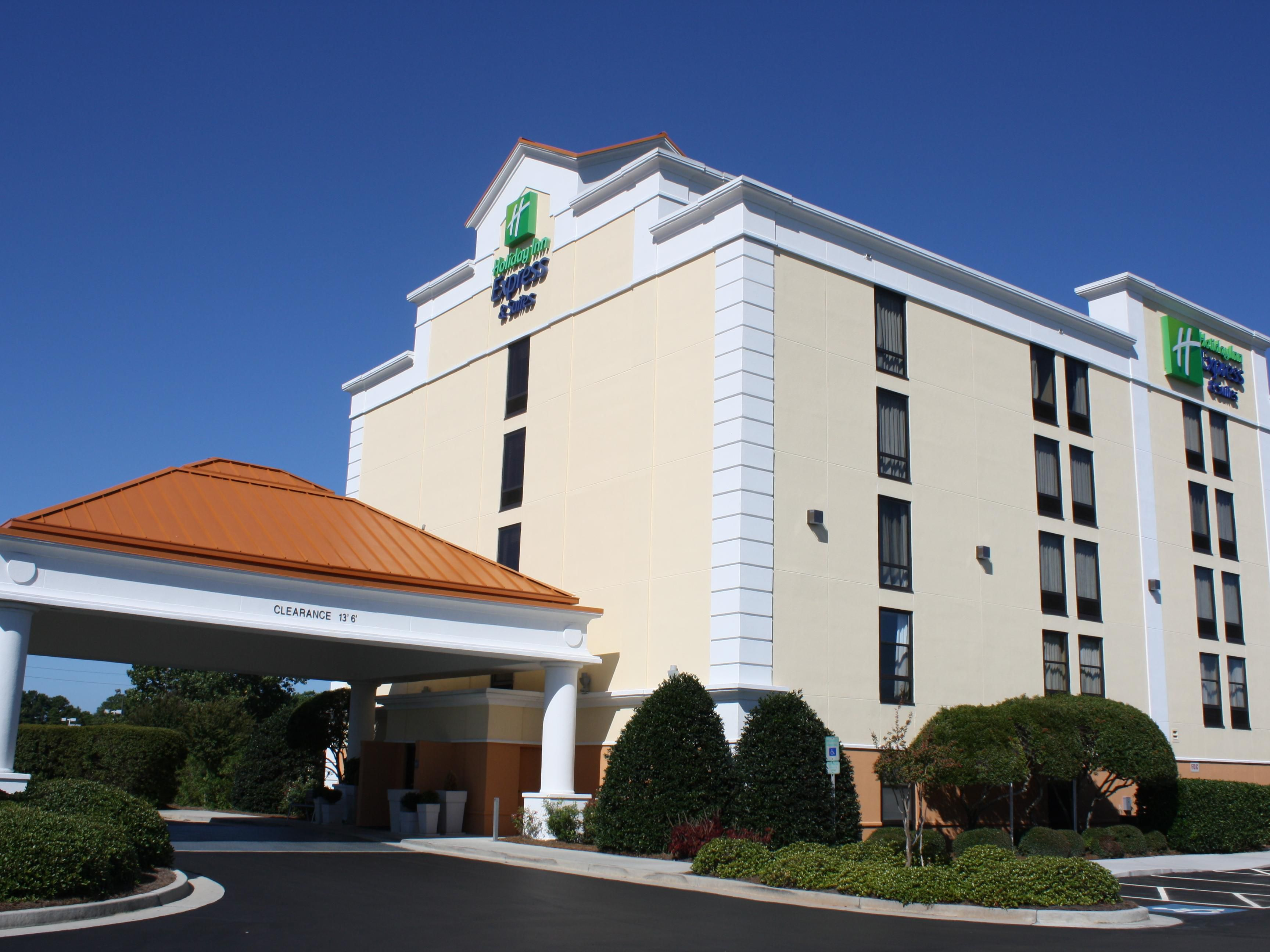 Welcome to the Holiday Inn Express & Suites!
