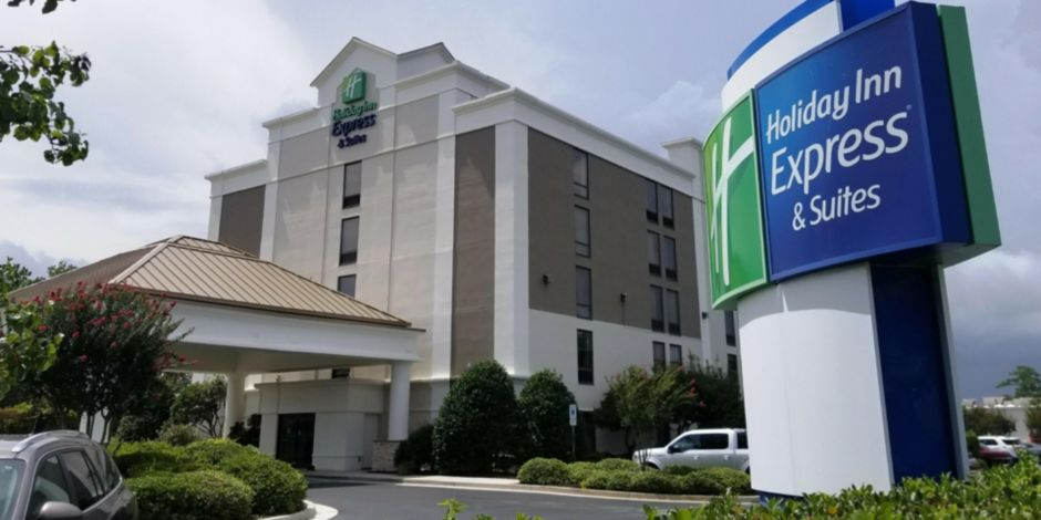Holiday Inn Express & Suites Wilmington-University Ctr Hotel in ...