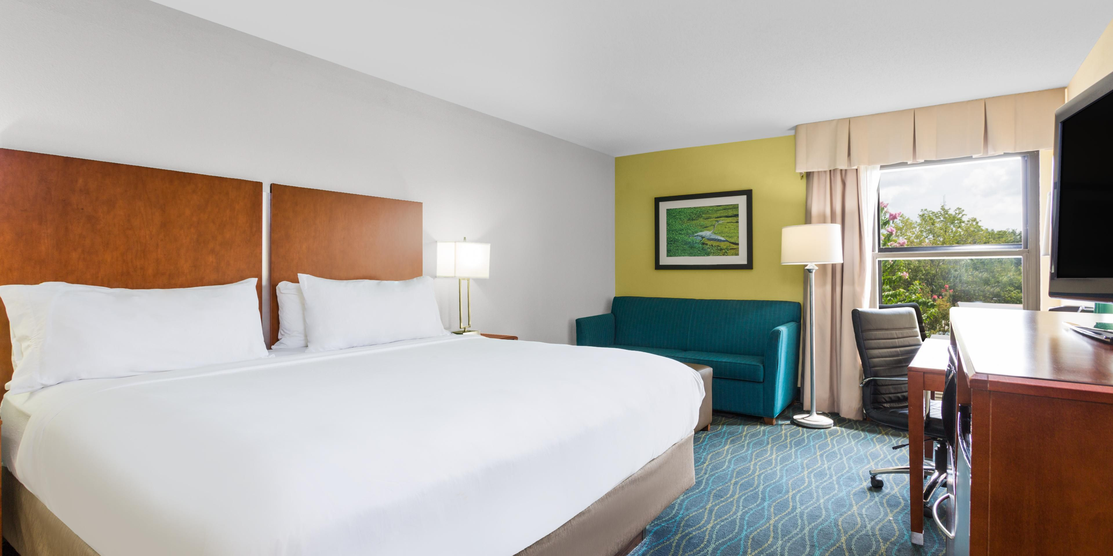 Holiday Inn Express Suites Wilmington University Ctr Hotel In