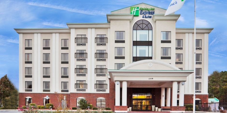 Holiday Inn Express Suites Wilson Downtown
