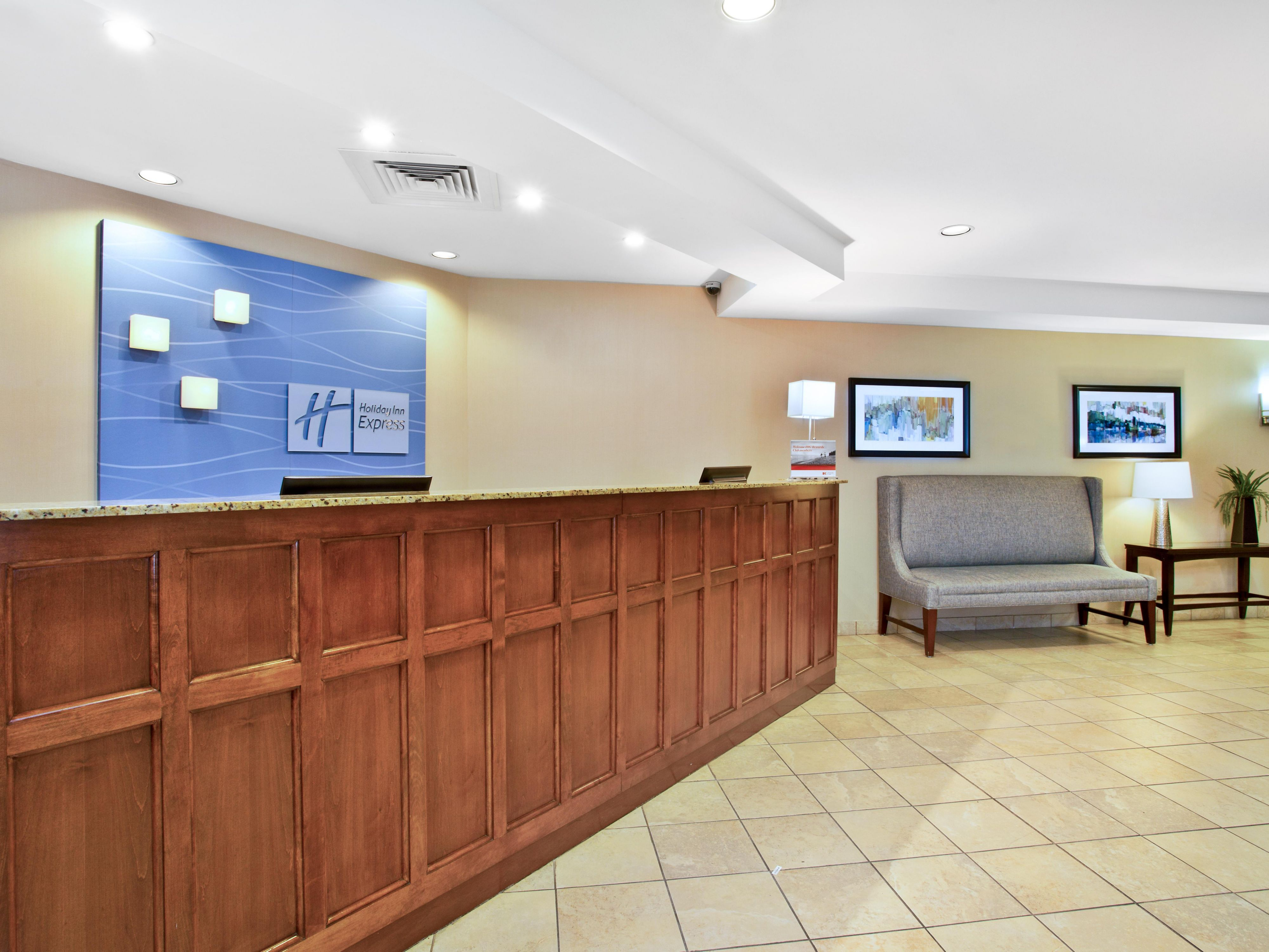 Holiday Inn Express & Suites Bradley Front Desk