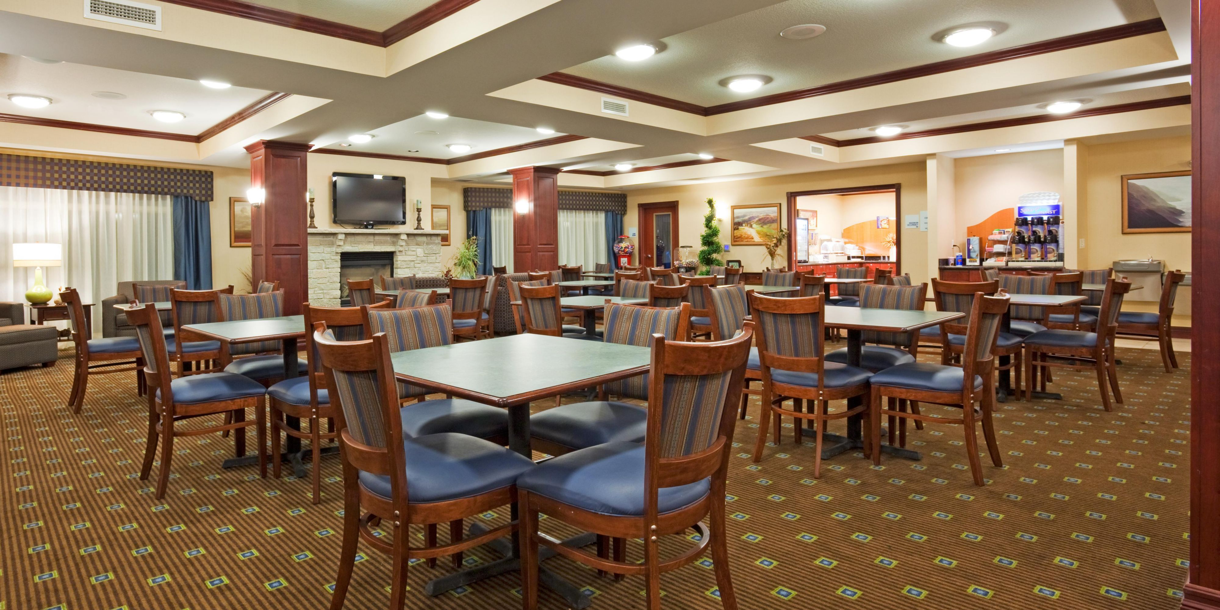 Holiday Inn Express And Suites Winona 2532908710 2x1