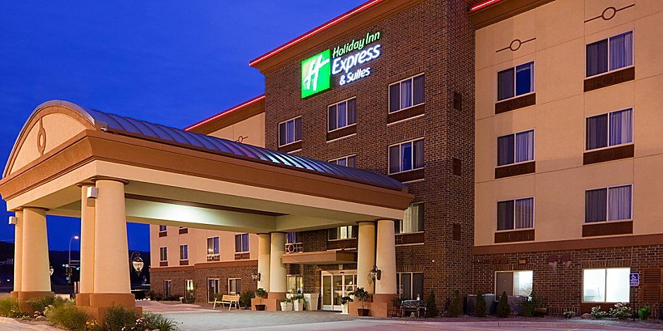 Holiday Inn Express & Suites Winona Hotel in Winona by IHG